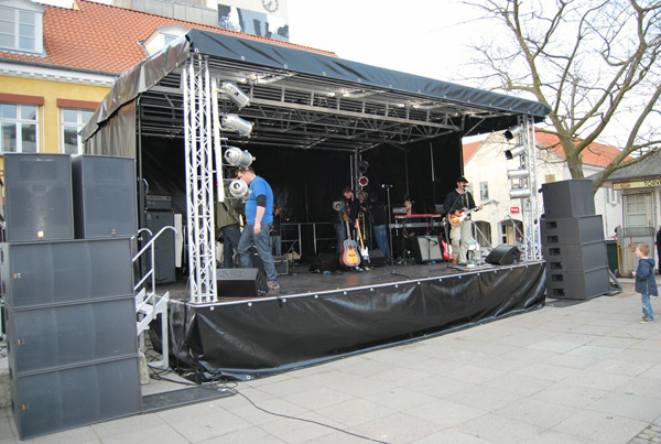 stage hire ireland, sound and lighting hire